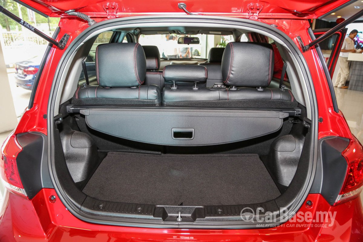 How Much Car Can I Afford Calculator >> Haval H1 Mk1 (2015) Interior Image #35223 in Malaysia ...