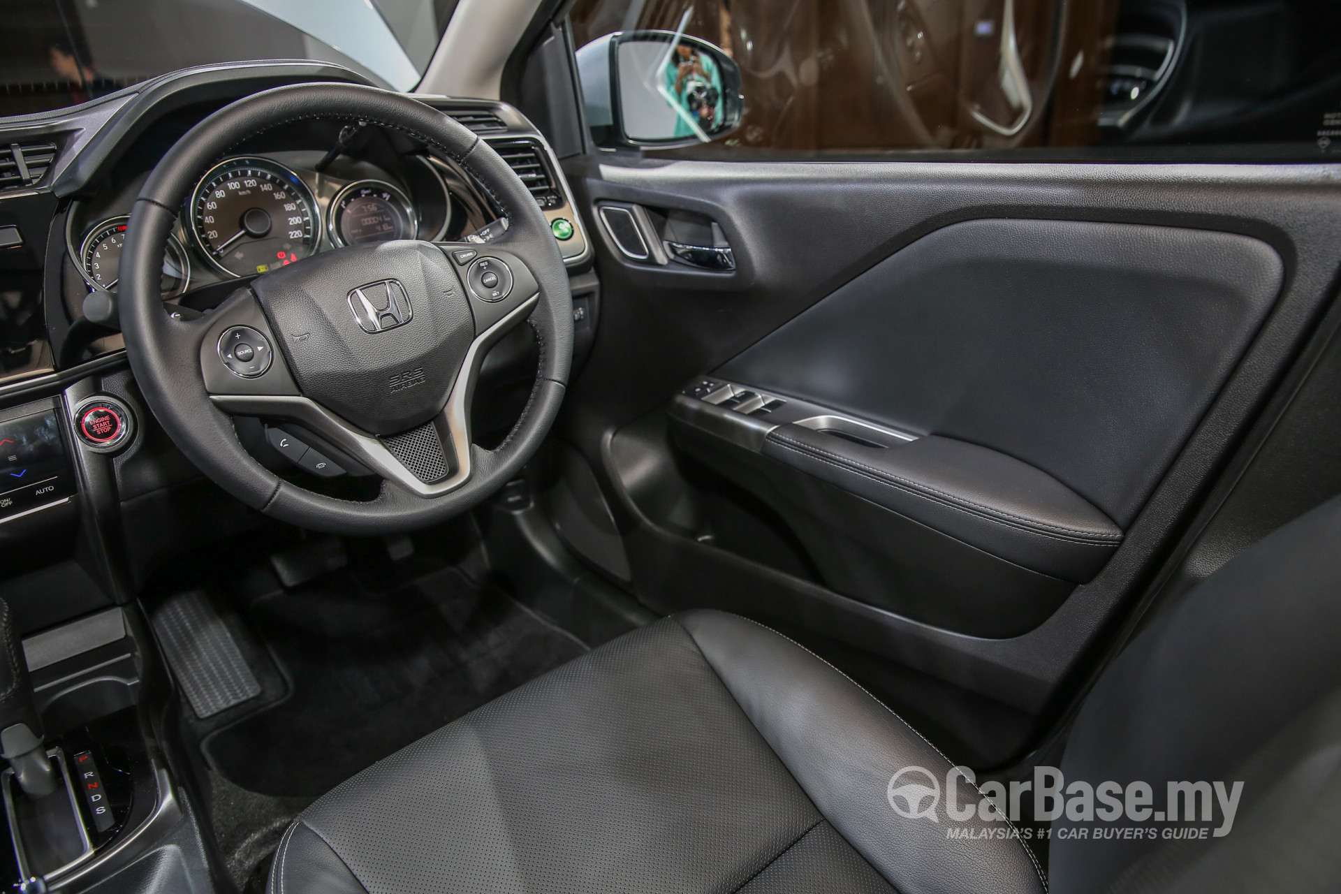 Honda city gm6 facelift 2017 interior image 36623 in for Image city interiors