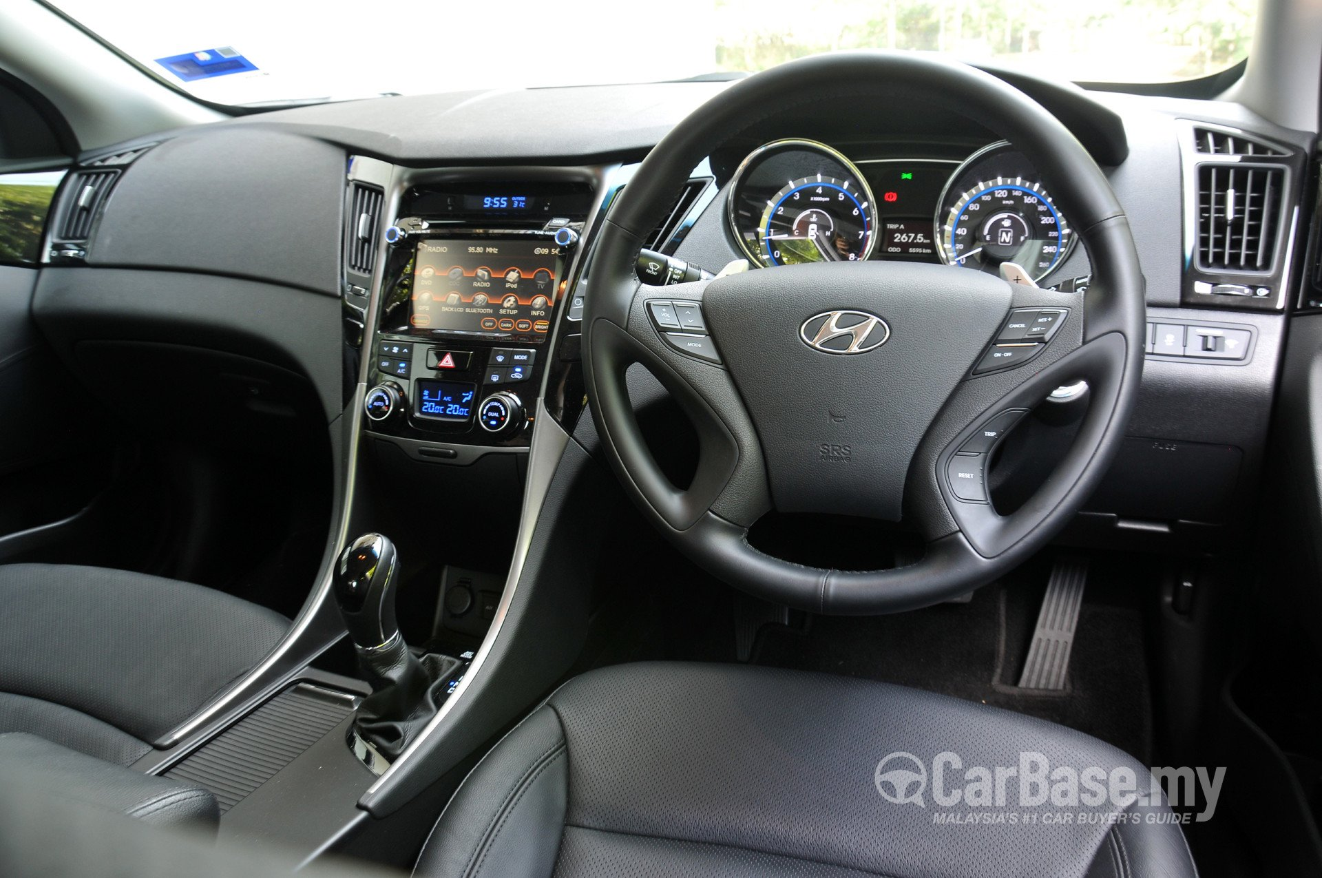 hyundai sonata yf facelift 2013 interior image 4386 in. Black Bedroom Furniture Sets. Home Design Ideas