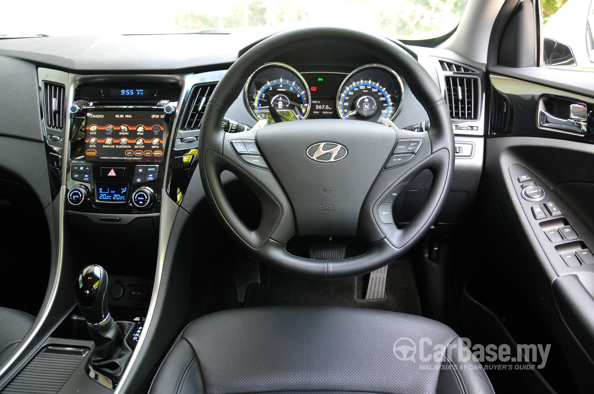 hyundai sonata yf facelift 2013 interior image 4387 in. Black Bedroom Furniture Sets. Home Design Ideas