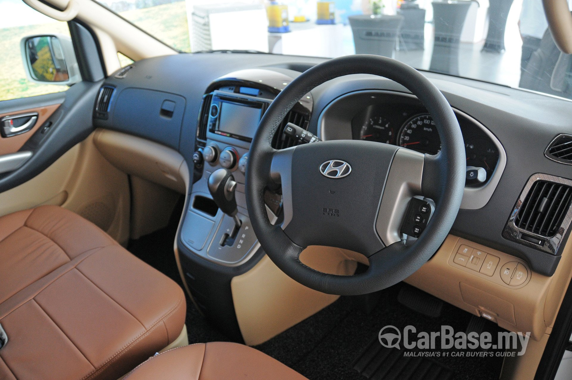 Hyundai Grand Starex Mk2 Facelift 2014 Interior Image In