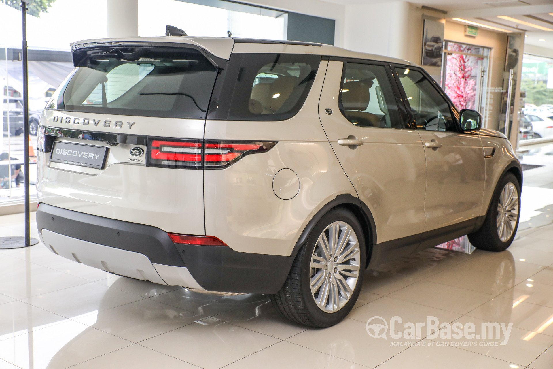 Land Rover Discovery L462 2018 Exterior Image in Malaysia
