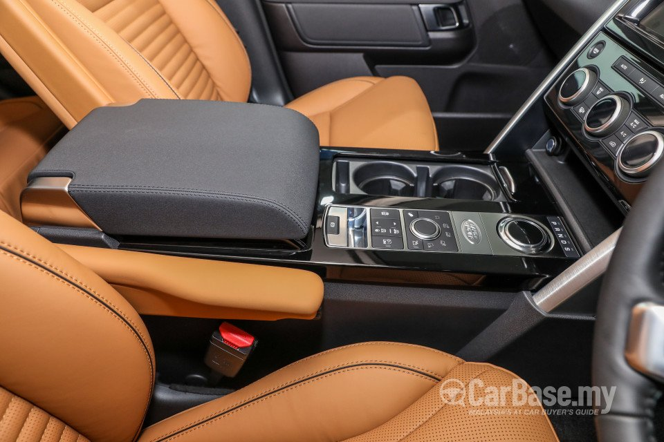 Land rover discovery l462 2018 interior image 45169 in - Land rover discovery interior dimensions ...