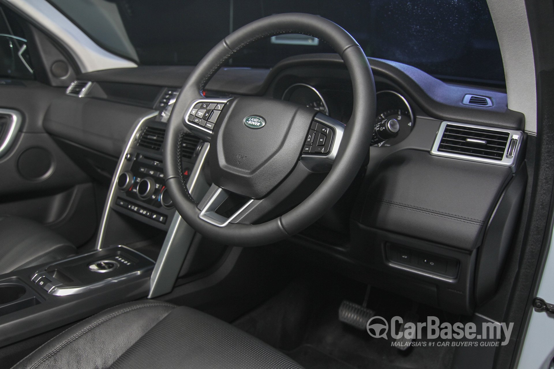 Land rover discovery sport l550 2015 interior image in - Land rover discovery interior dimensions ...
