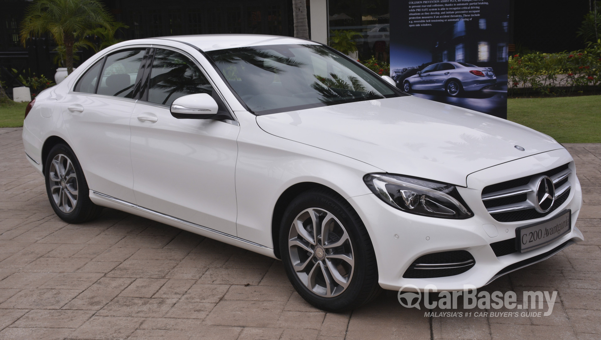 Mercedes benz c class w205 2014 exterior image 15887 in for Mercedes benz 2014 c class price
