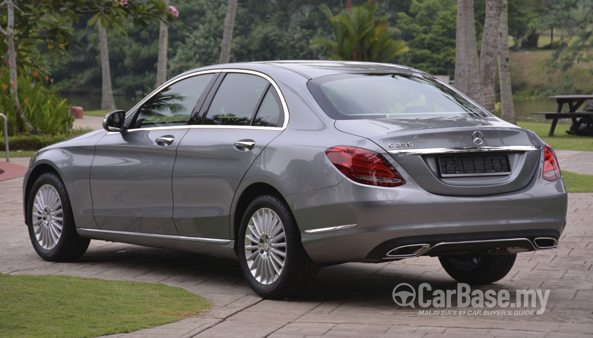 Mercedes benz c class w205 2014 exterior image 15899 in for Mercedes benz 2014 c class price
