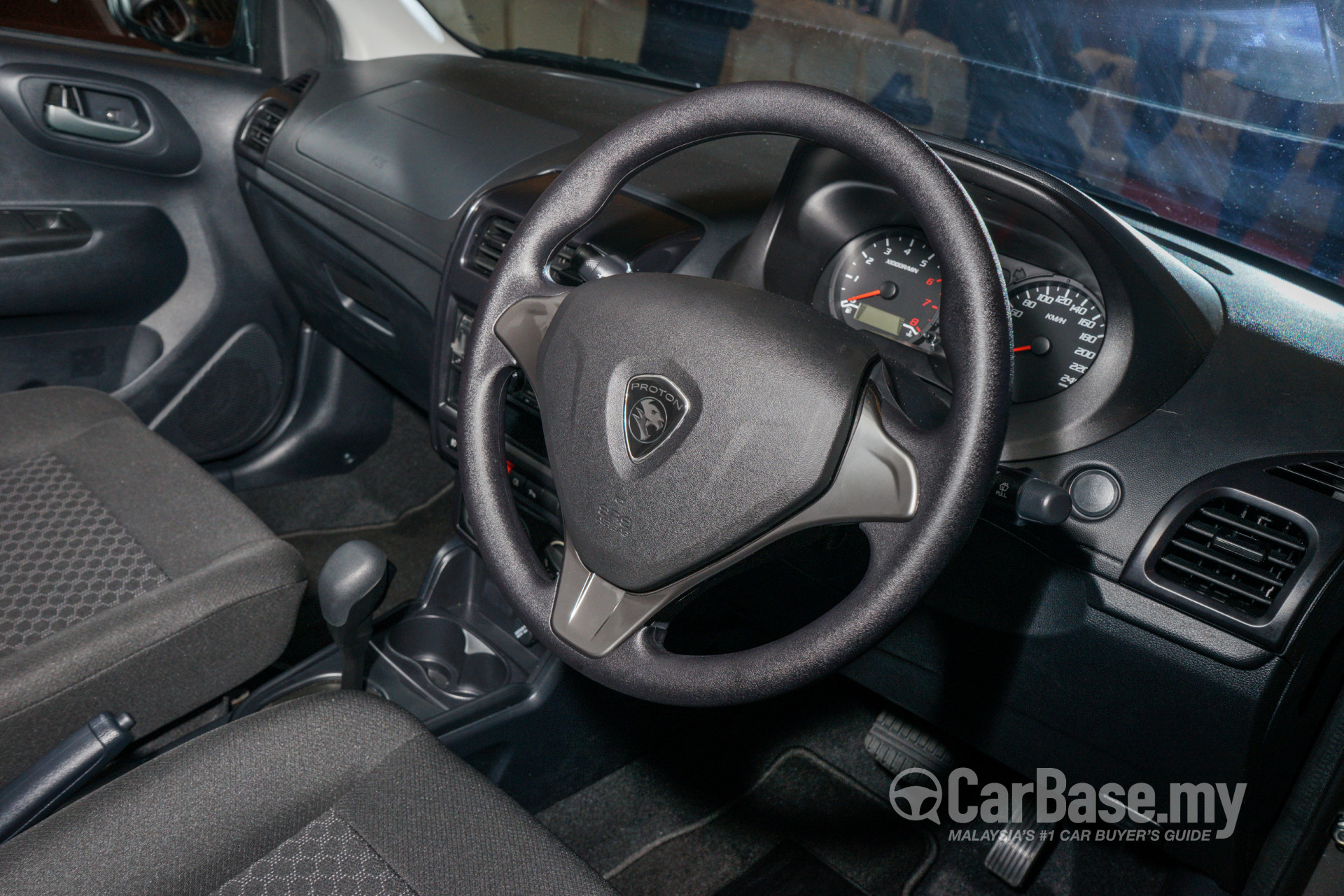 https://s1.carbase.my/upload/51/64/459/interior/s13-1475115822-1294-proton-saga.jpg