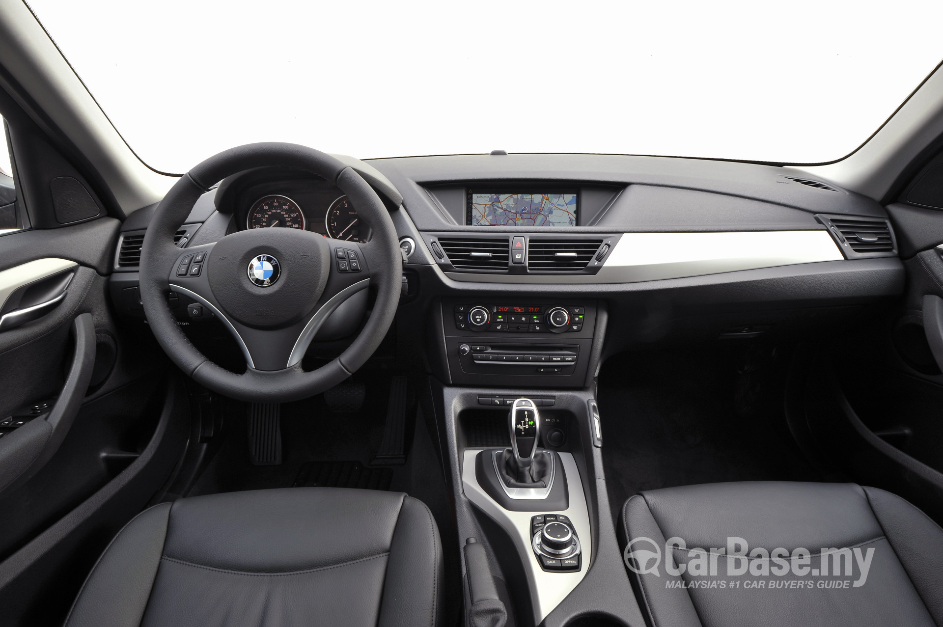 bmw x1 e84 lci 2012 interior image 2304 in malaysia reviews specs prices. Black Bedroom Furniture Sets. Home Design Ideas