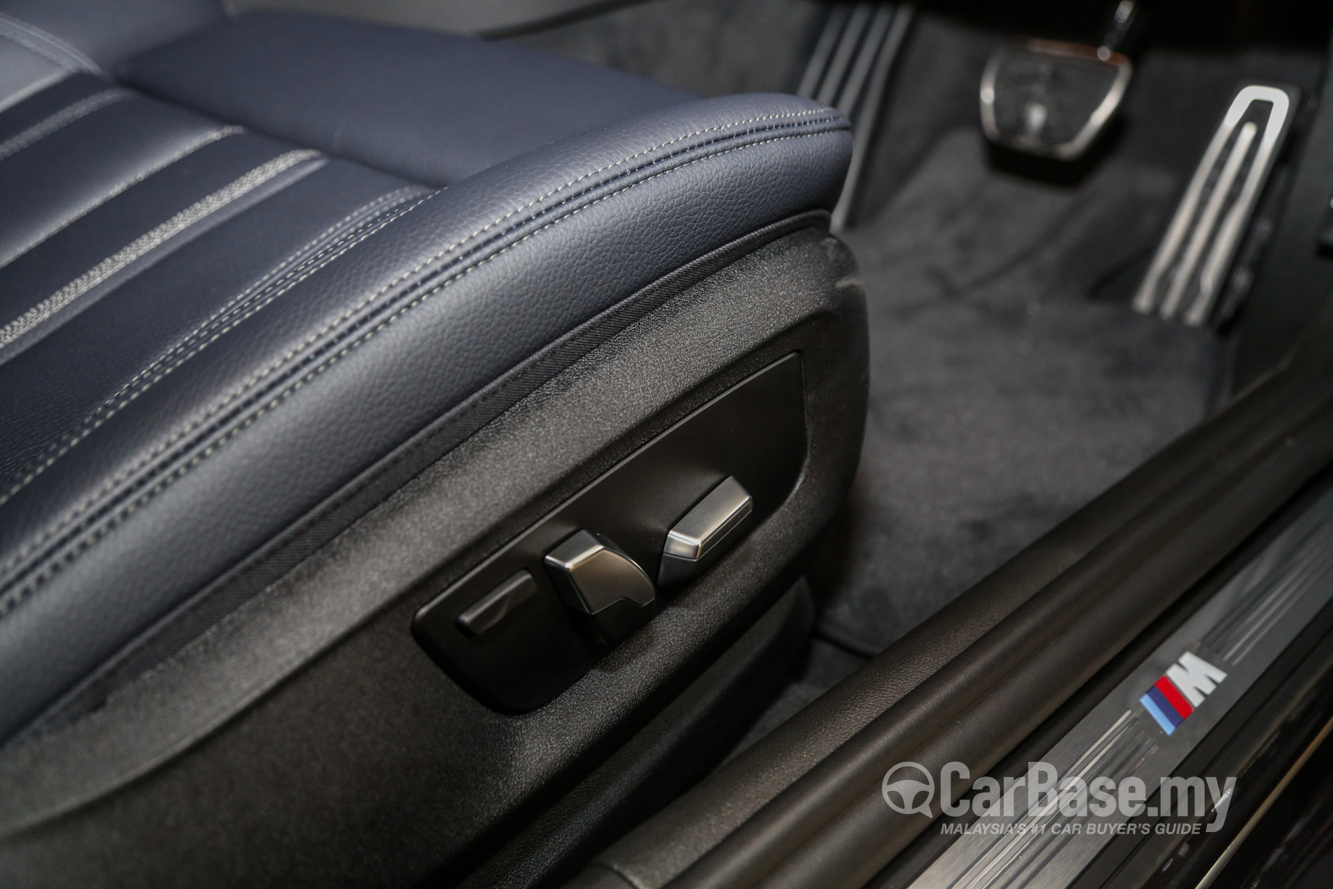 BMW 5 Series G30 (2017) Interior Image #56312 in Malaysia - Reviews