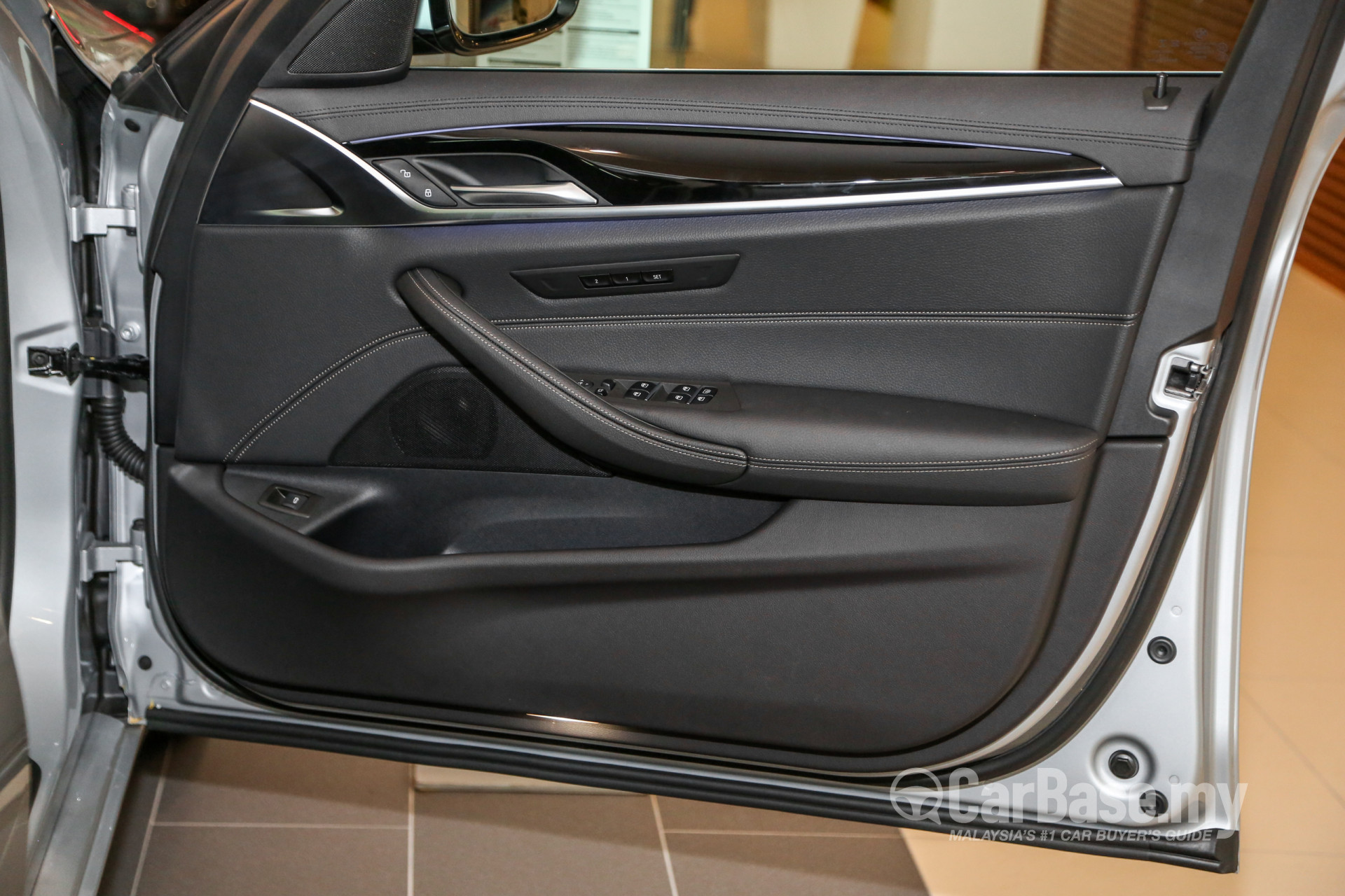 BMW 5 Series G30 (2017) Interior Image #56341 in Malaysia - Reviews
