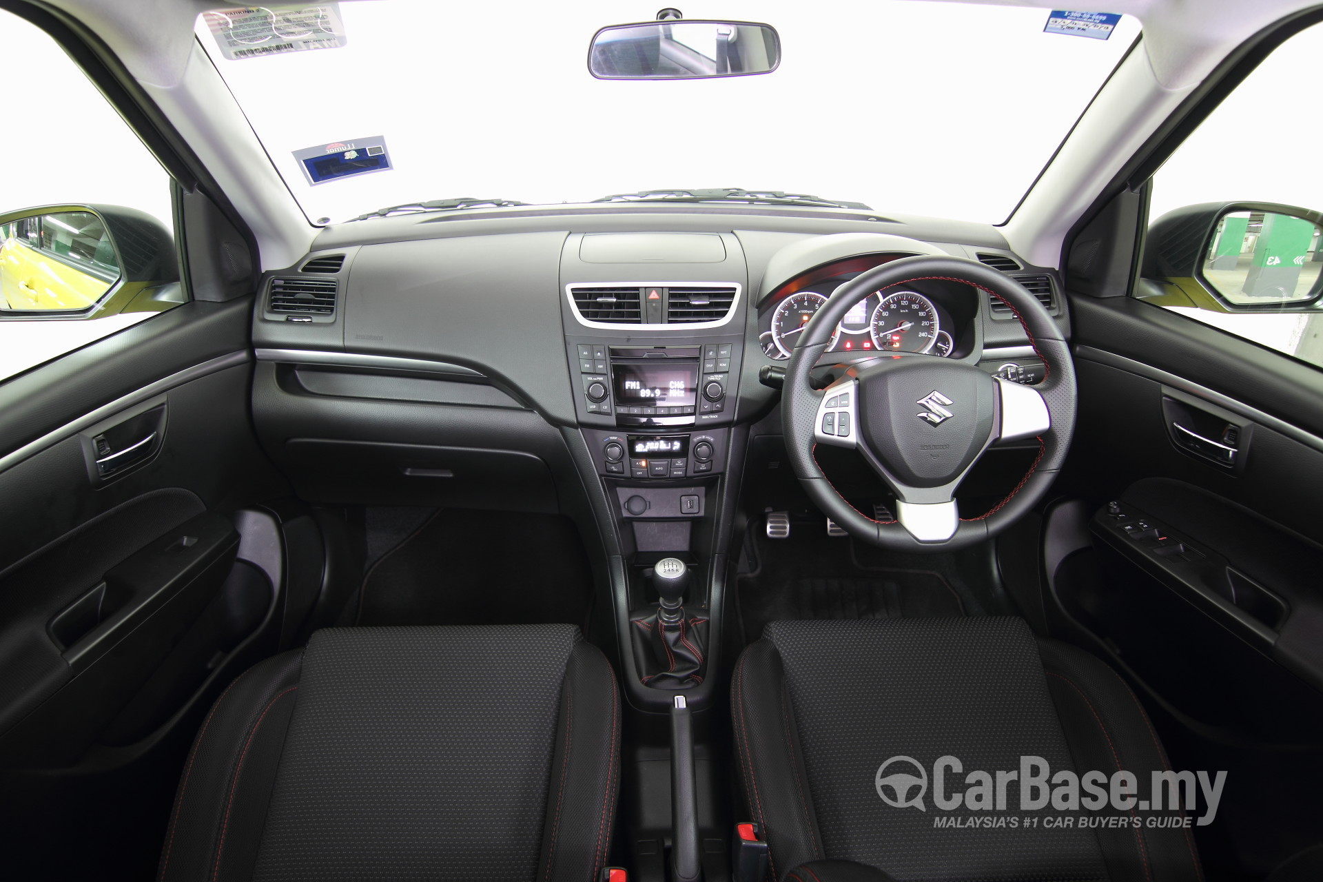 https://s1.carbase.my/upload/61/306/267/interior/s13-1399883254-5958-suzuki-swift-sport.jpg