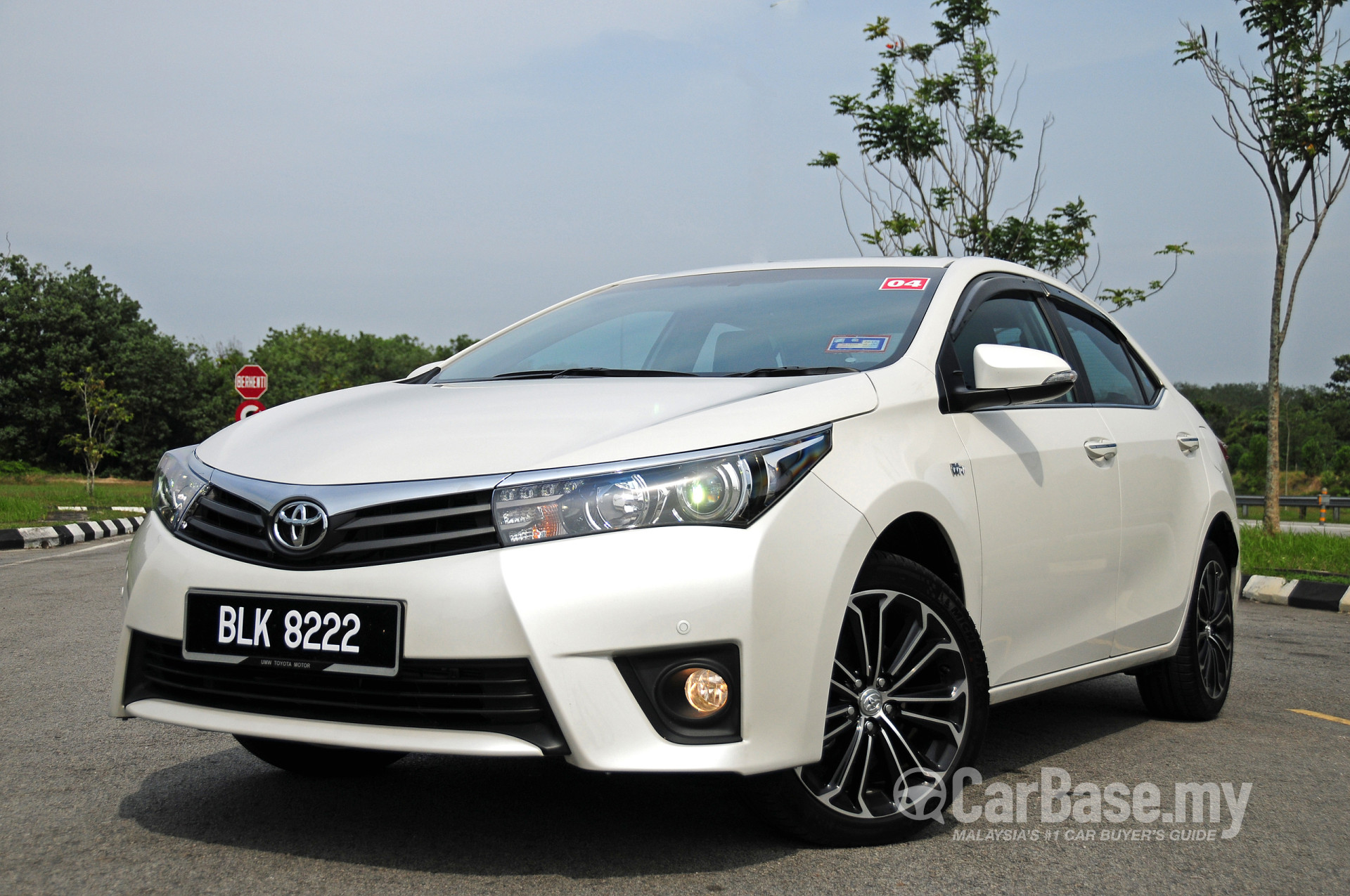 toyota corolla altis mk11 2014 exterior image in malaysia reviews specs prices. Black Bedroom Furniture Sets. Home Design Ideas